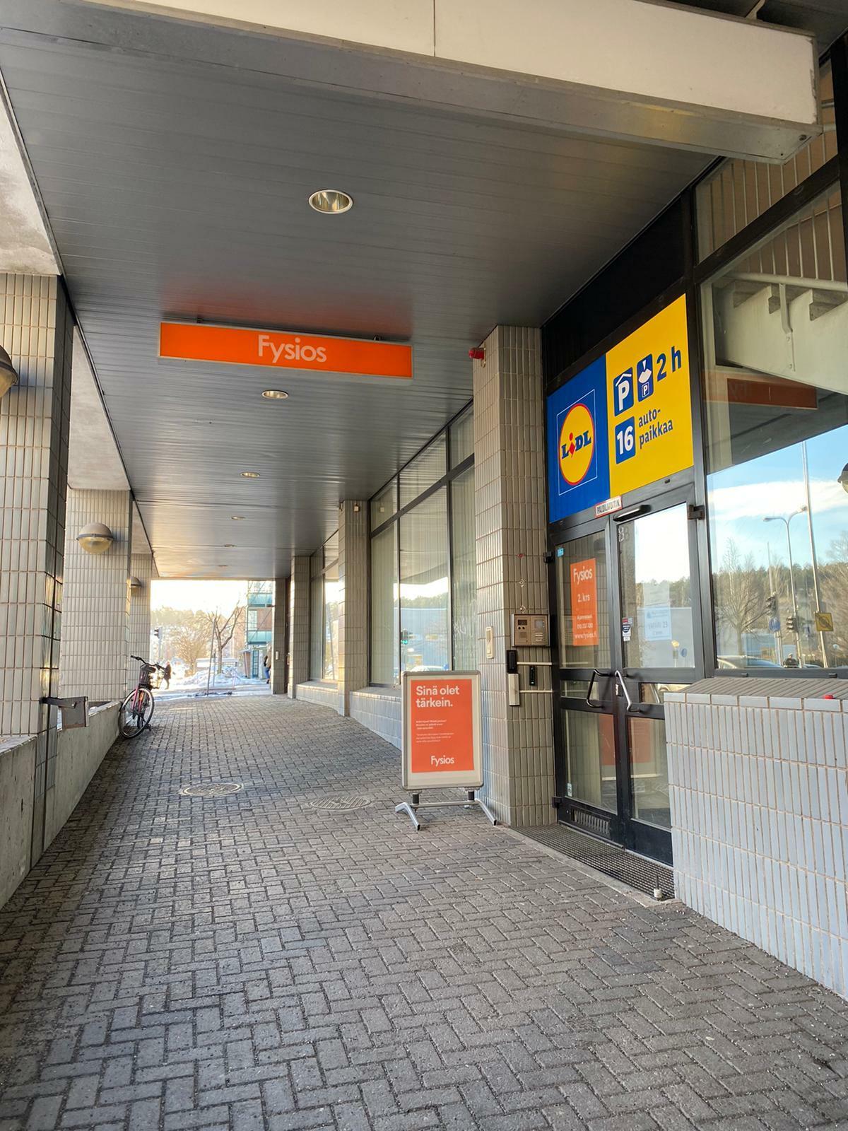 Fysios Lahti Vapaudenkatu ulko-ovi