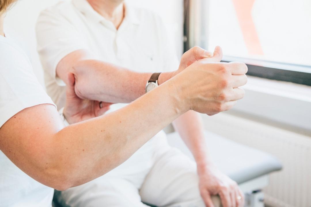 Aivoverenkiertohäiriö hoito ja kuntoutus Fysioksessa